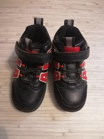 Ботинки кроссовки с мигалками р. 26