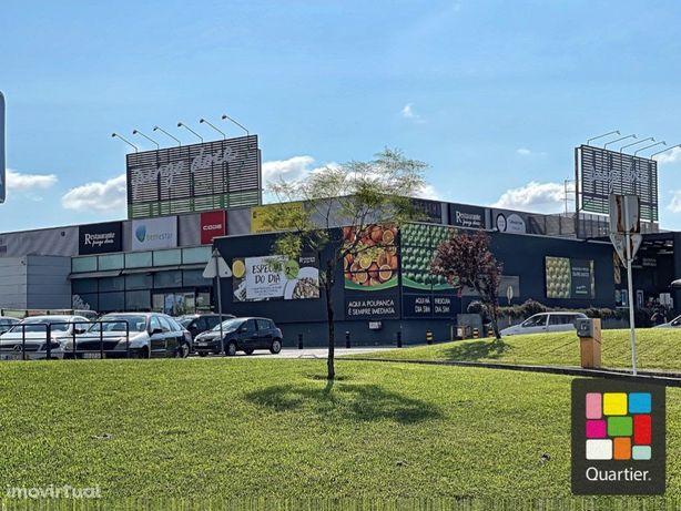 Moradia centro de Loures Bi familiar - 2 pisos - 10 Divis...