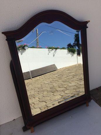Espelho com encaixes