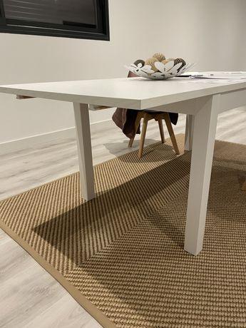 Mesa de jantar IKEA
