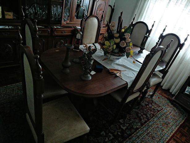 Mesa sala de jantar + 8 cadeiras madeira maciça