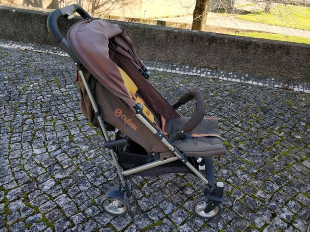 Carrinho de passeio de bebé