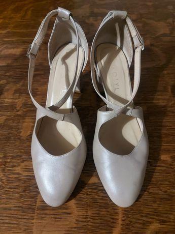 Buty ślubne Kotyl 40 perła lico