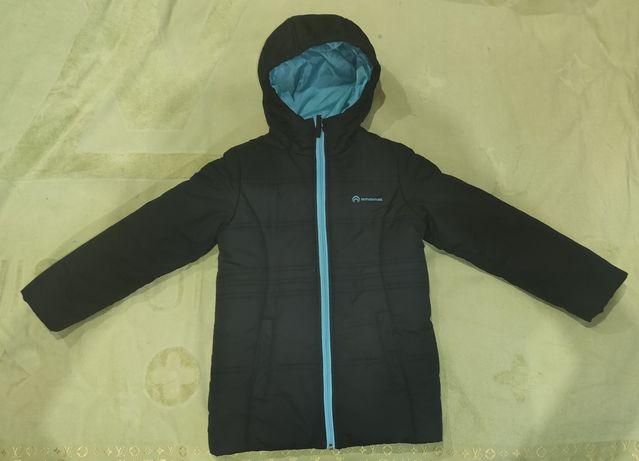 Продам почти новую весенне-осеннюю куртку Outventure