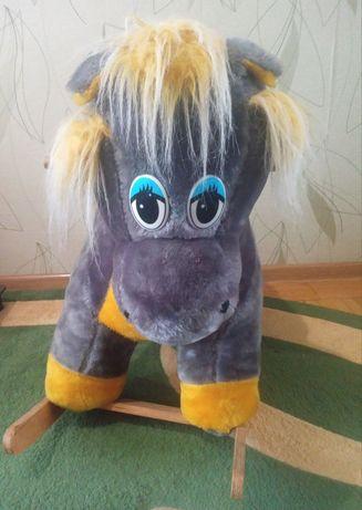 Лошадь качалка 150 грн