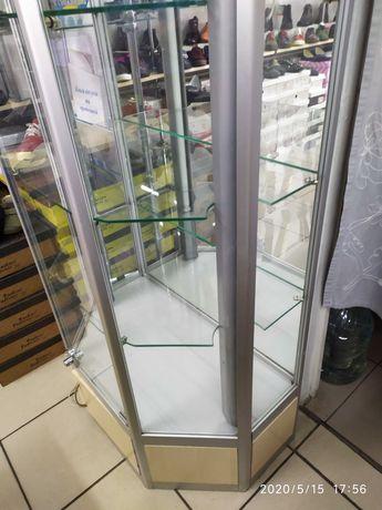 Продам витрину шестигранною из алюминиевого профиля+стекло.