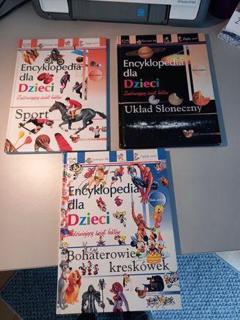 Trzy tomy encyklopedii dla dzieci.
