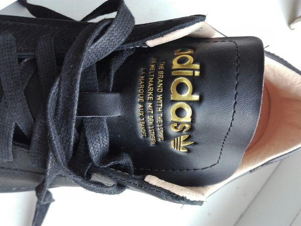 Продам оригинальные кросовки Adidas.