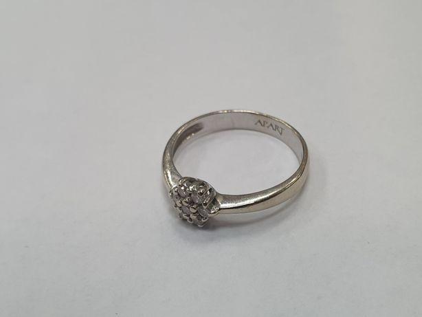 Apart! Złoty pierścionek damski/ 585/ 7 brylantów/ 2.15 gram/R9/ sklep