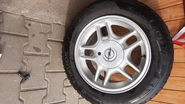 Alufelgi wraz z zimowymi oponami Hankook 195/65R 15 Opel