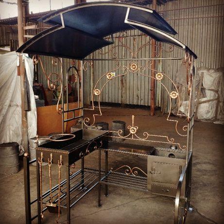 Кованый мангал-печь с крышей