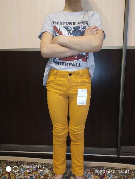 Продам новые джинсы, рост 126