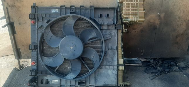 Радиатор охлаждения Вито 2.2 638 под автомат