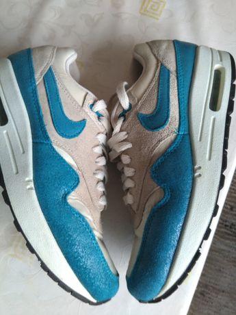 Кроссовки Nike оригинал.