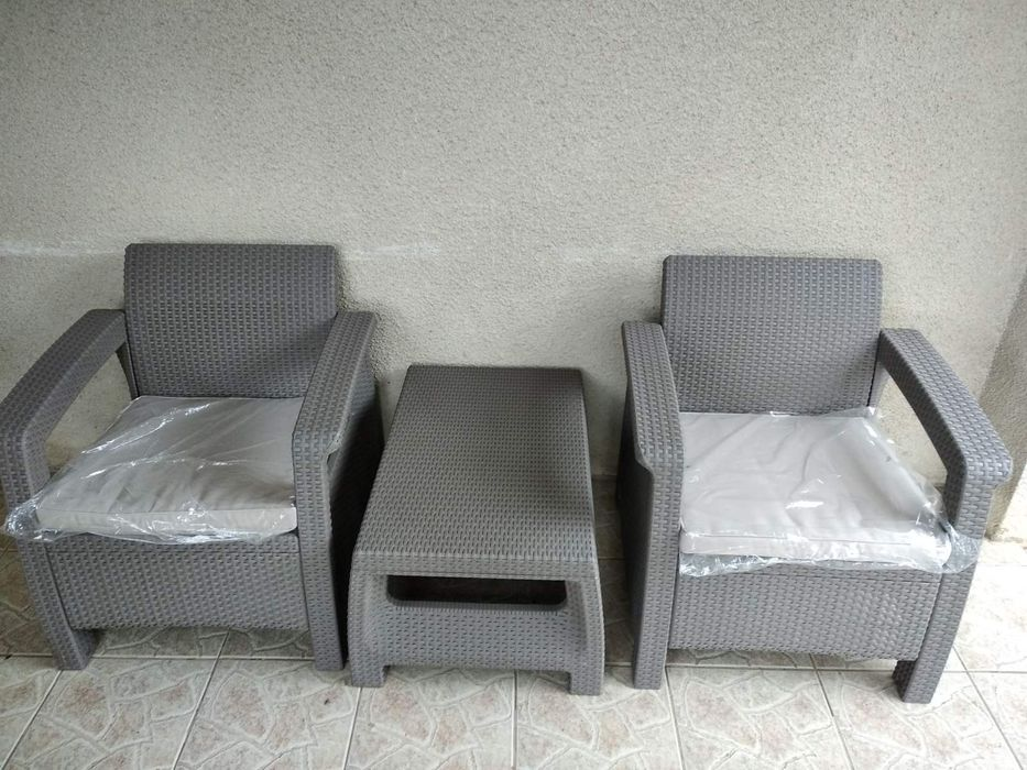 Комплект крісел та столик Петриков - изображение 1