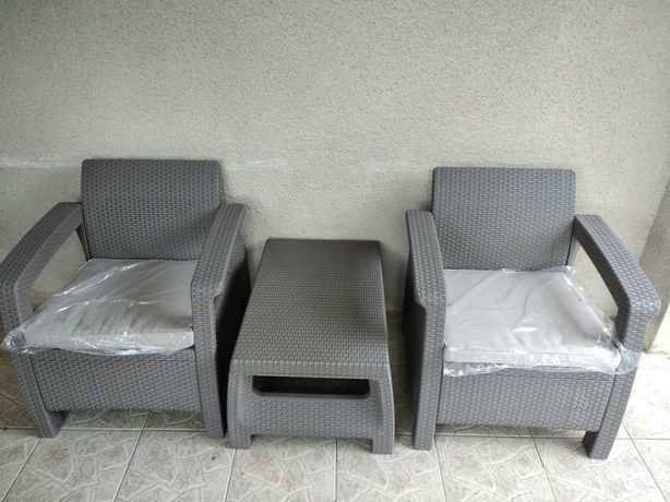 Комплект крісел та столик