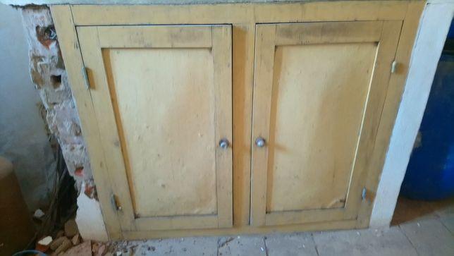 Portas antigas bancada de cozinha