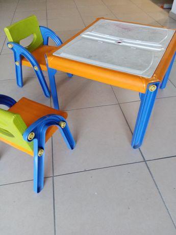 Mesa e cadeira para crianças