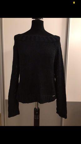 Cena ostateczna Czarny klasyczny sweter SIMPLE