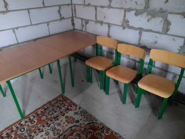 Stoliki i krzesła przedszkolne