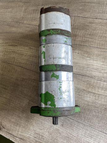 Pompa trojsekcyjna BOSH do kombajnow i sieczkarni John Deere