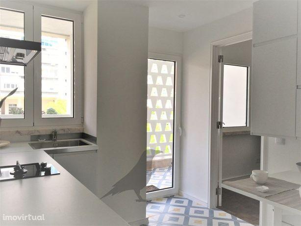 Apartamento T1 semi- mobilado para arrendamento na Avenid...