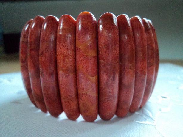 Bransoleta z czerwonego korala