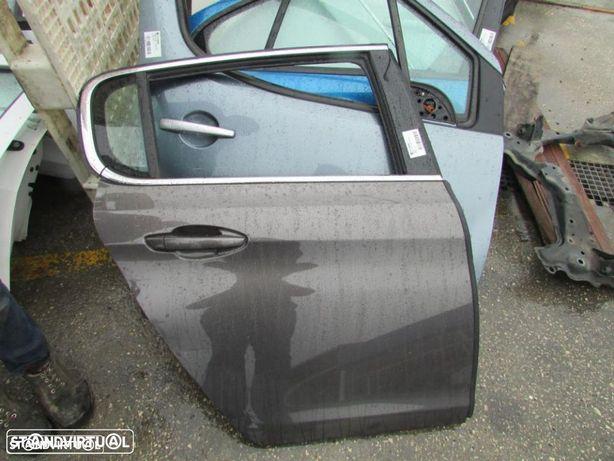 Porta Tras Direita Peugeot 308 do ano 2013