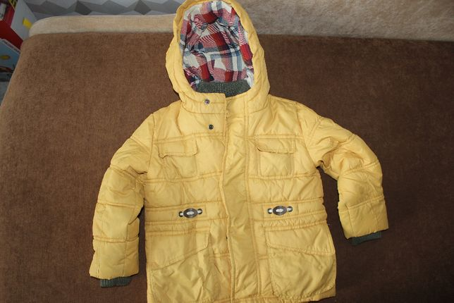 Куртка жёлтая н 4-5 лет демисезонная
