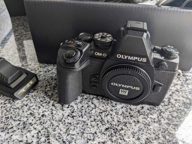 Olympus OMD-E M1 (Completa - 4 mil disparos)