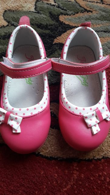 Туфлі, мештики для дівчинки