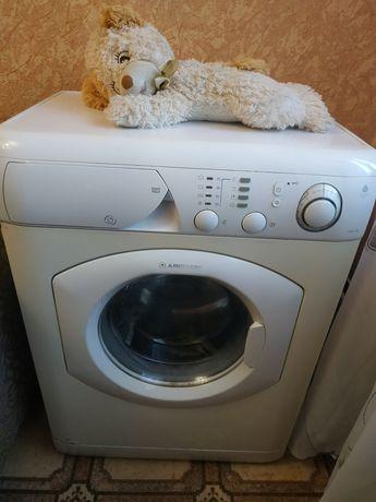 Машинка стиральная Аристон