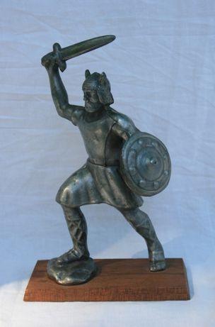 Statuetka/figurka wiking Norwegia wojownik Vikings kolekcja vintage