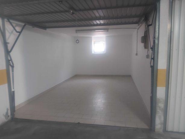 Garagem Box Mem Martins