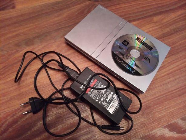 Приставка игровая PlayStation 2(рабочая)