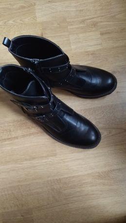 Sprzedam buty roz 42