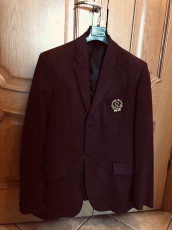 Пиджак школьный бордовый,полушерстяной.Рост 180-188.Подарок-сорочка.