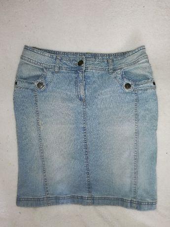 Jasna jeansowa spódnica