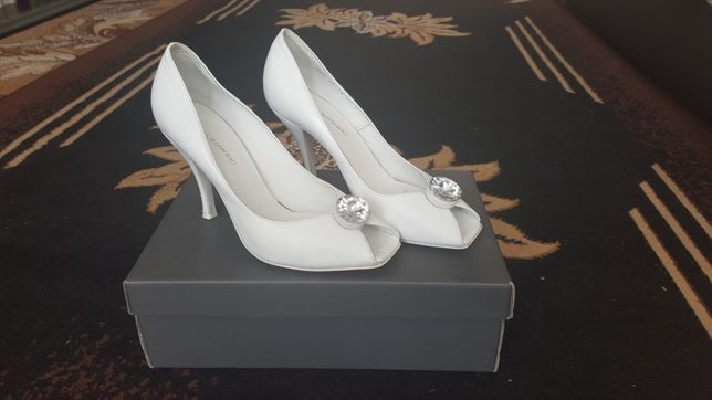 Skórzane markowe białe buty na ślub szpilki 38