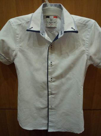 Продам белую рубашку короткий рукаа