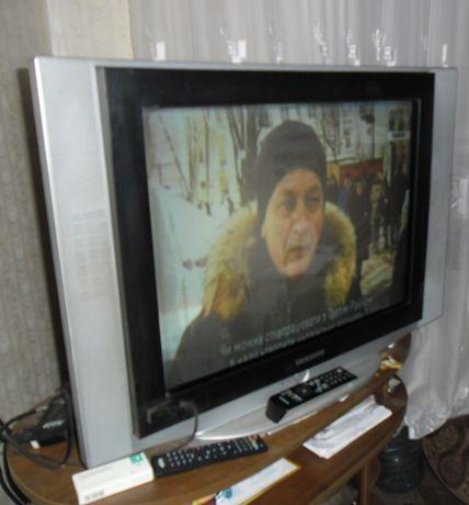 телевизор самсунг,спутниковая антенна,тумба