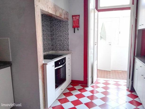Apartamento T4 Junto á Alameda Afonso Henriques