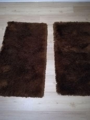 2 tapetes de quarto castanho
