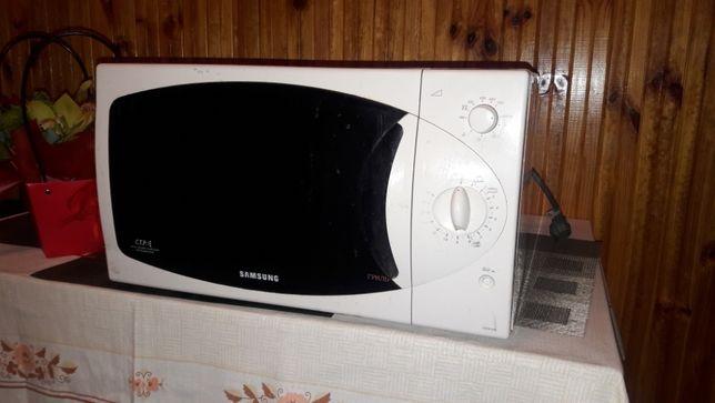 Микроволновая печь Samsung CE2914R