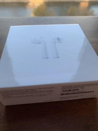 Pudełko po Apple AirPods jak nowe z zawartoscią