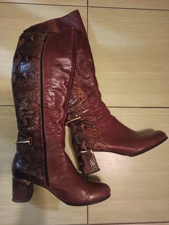 Продам осінні чобітки