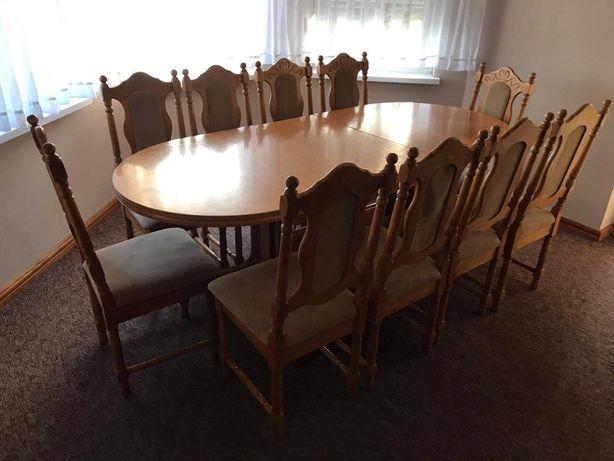 Stół z 10 krzesłami w dobrym stanie