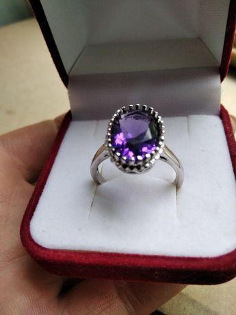 Серебряное кольцо каблучка  с аметистом аметист серебро 925