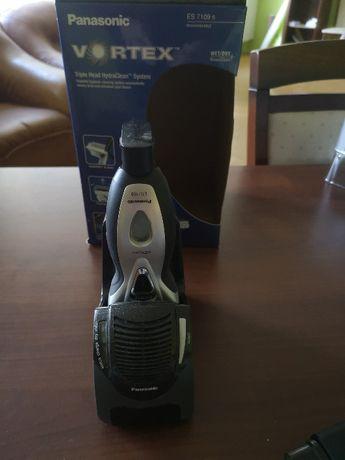 Golarka Panasonic ES 7109 ze stacją ładująco-myjącą