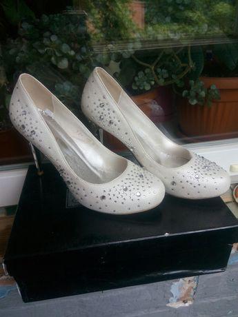 Туфли на свадьбу или выпускной
